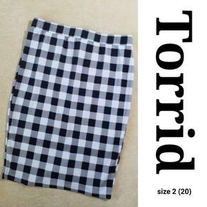 Torrid sz 2 (20) Pencil Skirt Gray & Black Buffalo